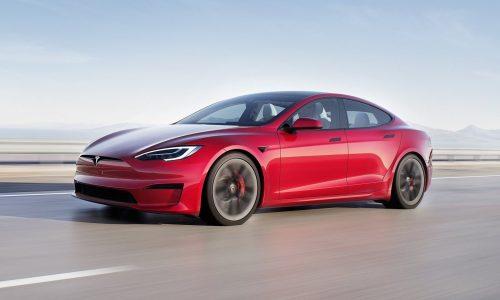 Safety regulators in USA probe Tesla Autopilot system