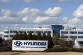 Hyundai looking to build its own semiconductor chips, says COO