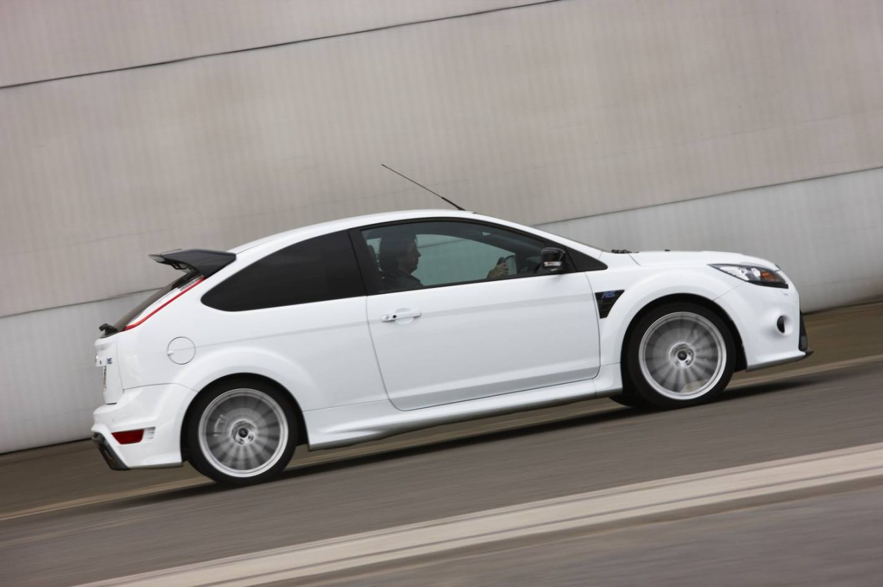 2010 ford focus rs review performancedrive. Black Bedroom Furniture Sets. Home Design Ideas