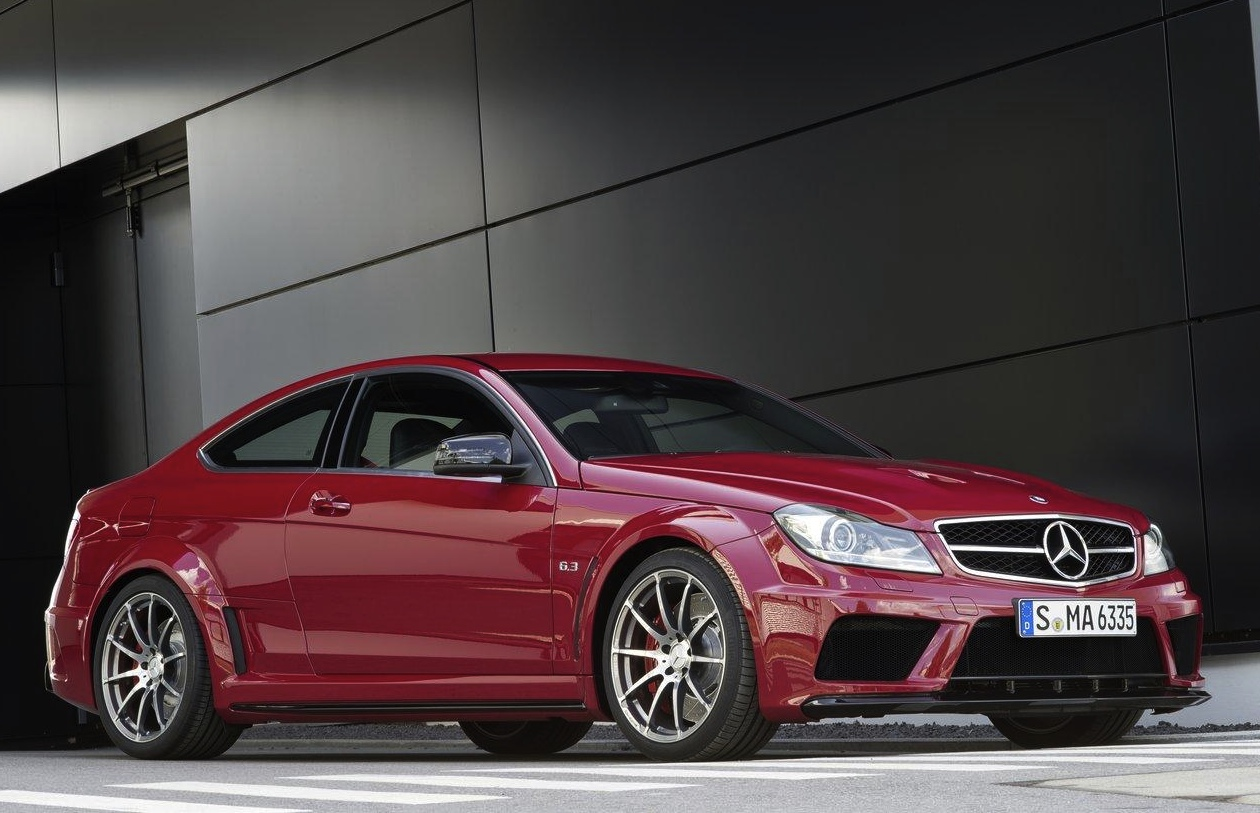 mercedes benz c 63 amg coupe black series unveiled at. Black Bedroom Furniture Sets. Home Design Ideas