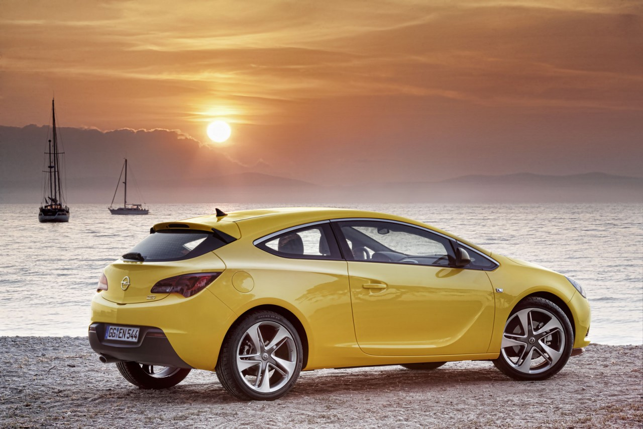 2012 opel astra gtc coupe unveiled at frankfurt show performancedrive. Black Bedroom Furniture Sets. Home Design Ideas
