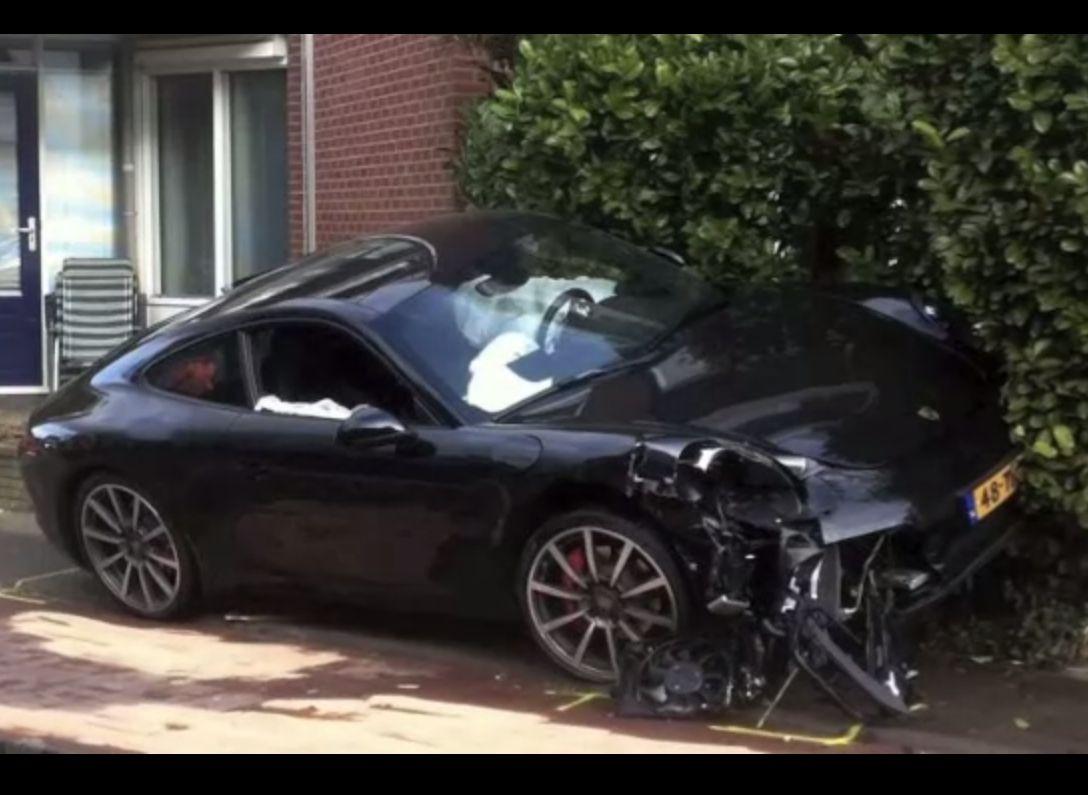 2012 991 Porsche 911 Crash