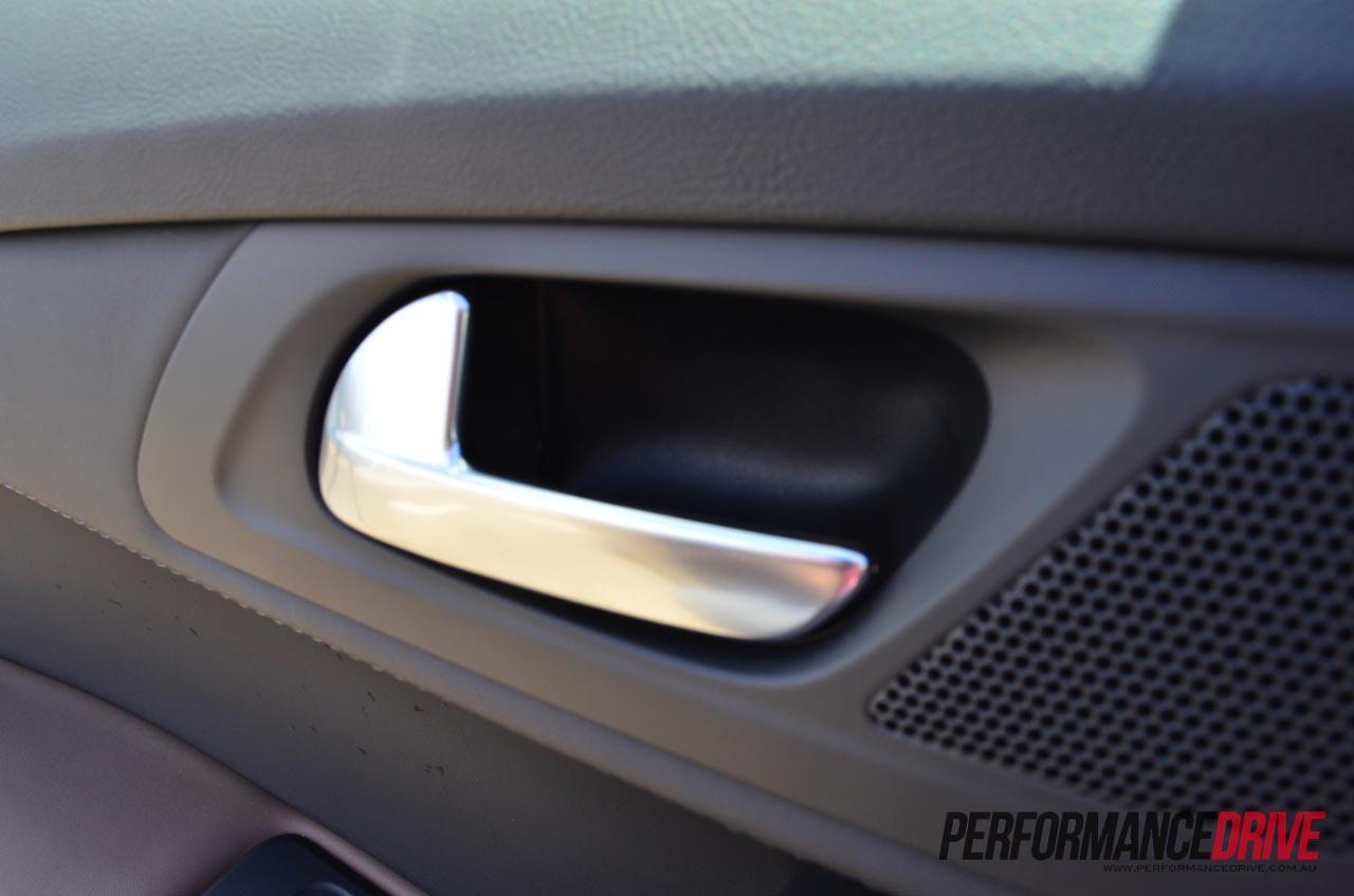 2012 Peugeot 508 GT door handle inside |