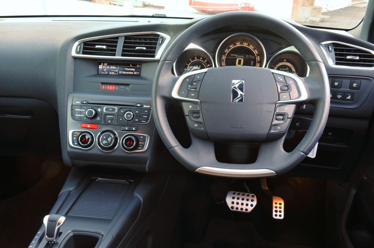 Citroen DS4 DStyle e-HDi-interior |