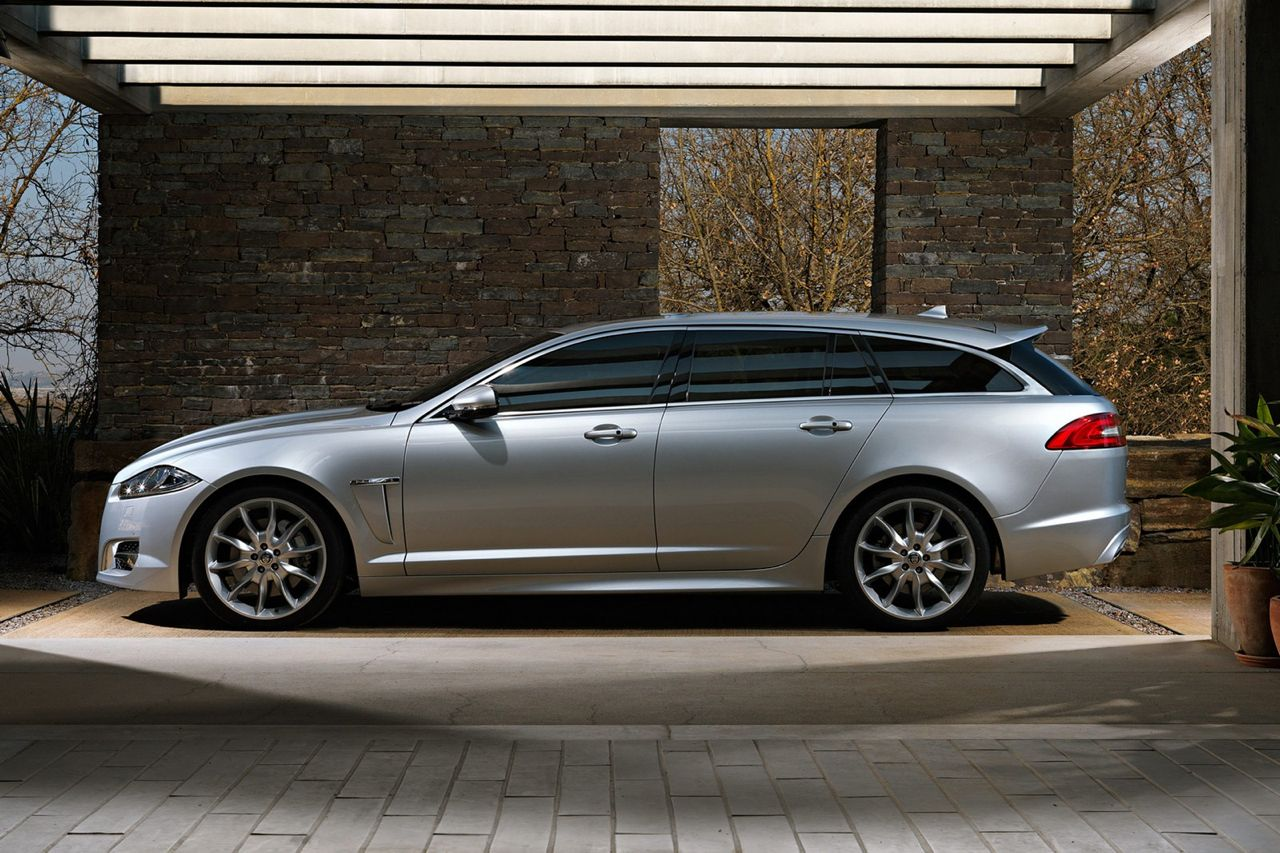 jaguar xf sportbrake wagon revealed in official images performancedrive. Black Bedroom Furniture Sets. Home Design Ideas
