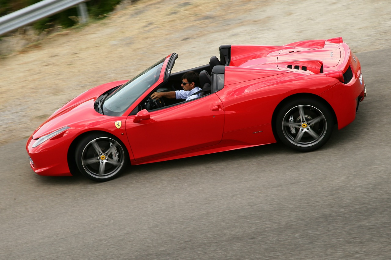 ferrari 458 spider on sale in australia from 590 000. Black Bedroom Furniture Sets. Home Design Ideas