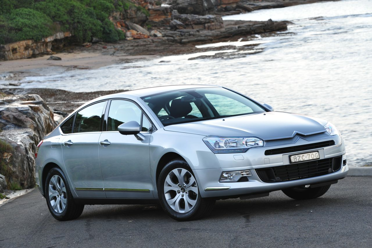 2012 citroen c5 receives 3000 price cut performancedrive. Black Bedroom Furniture Sets. Home Design Ideas