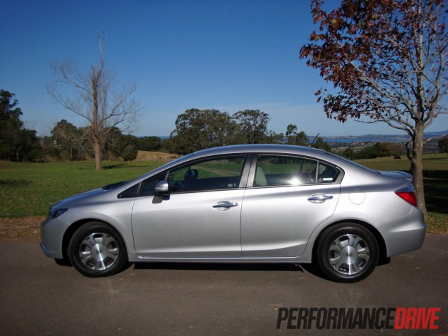 2012 honda civic hybrid review performancedrive. Black Bedroom Furniture Sets. Home Design Ideas