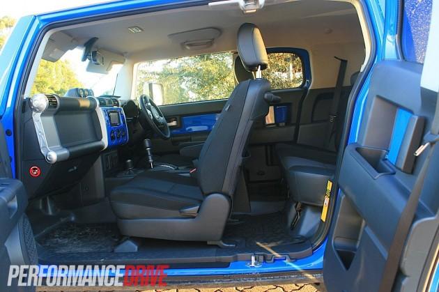 2012 Toyota Fj Cruiser Review Performancedrive