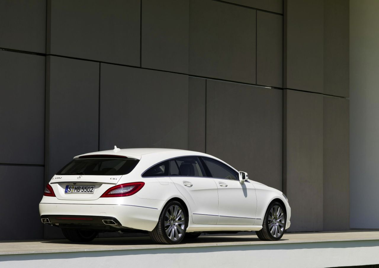 mercedes benz cls shooting brake leaked online. Black Bedroom Furniture Sets. Home Design Ideas