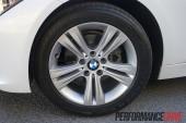 2012 BMW 320i Sport Line 17-inch alloy wheels
