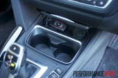 2012 BMW 320i Sport Line front cupholders