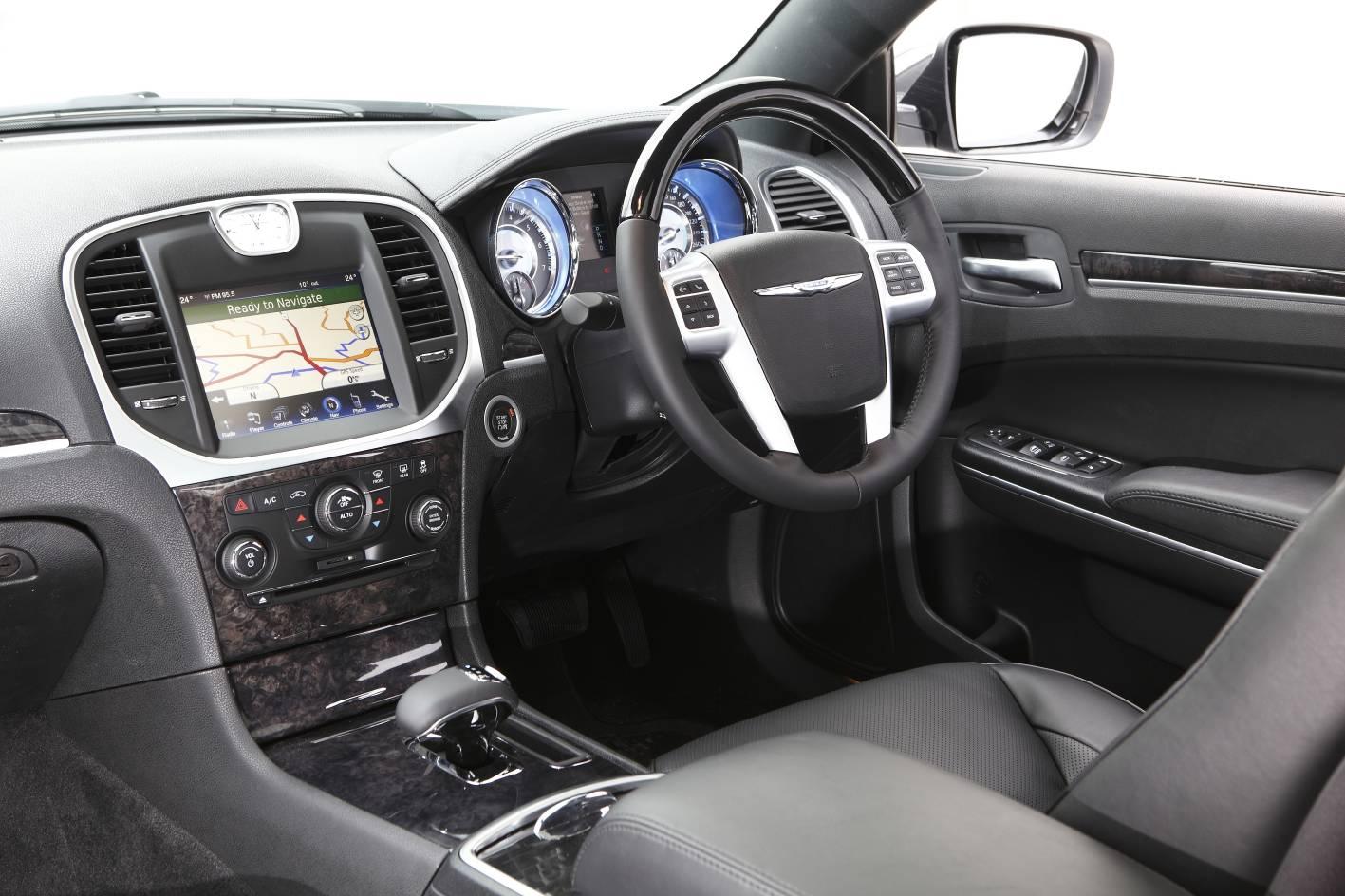 2012 Chrysler 300C interior  