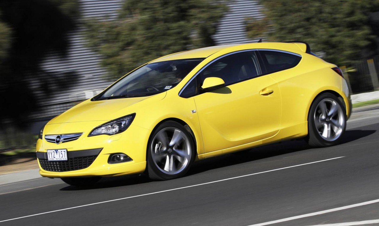 opel corsa astra gtc and insignia now on sale in. Black Bedroom Furniture Sets. Home Design Ideas