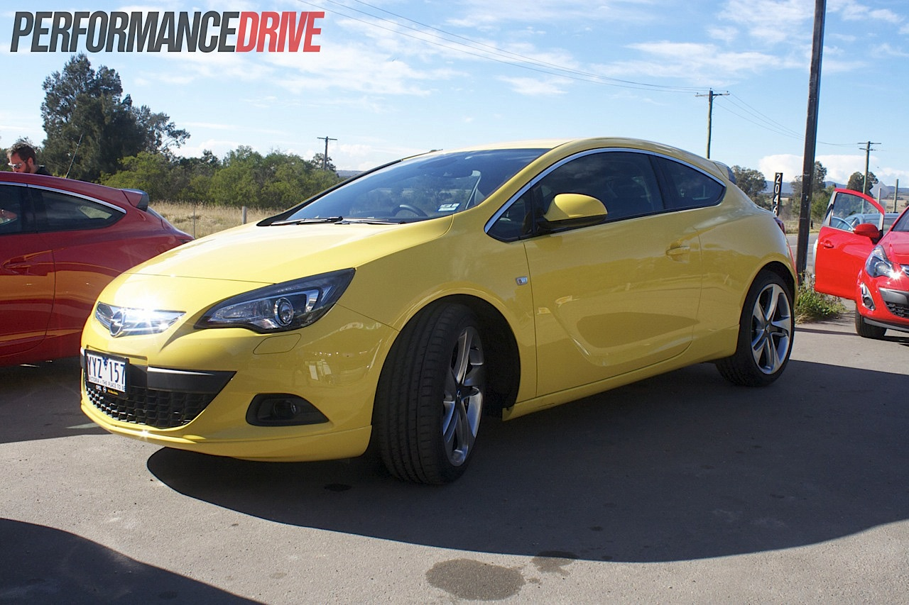 2012 opel astra gtc sport front performancedrive. Black Bedroom Furniture Sets. Home Design Ideas