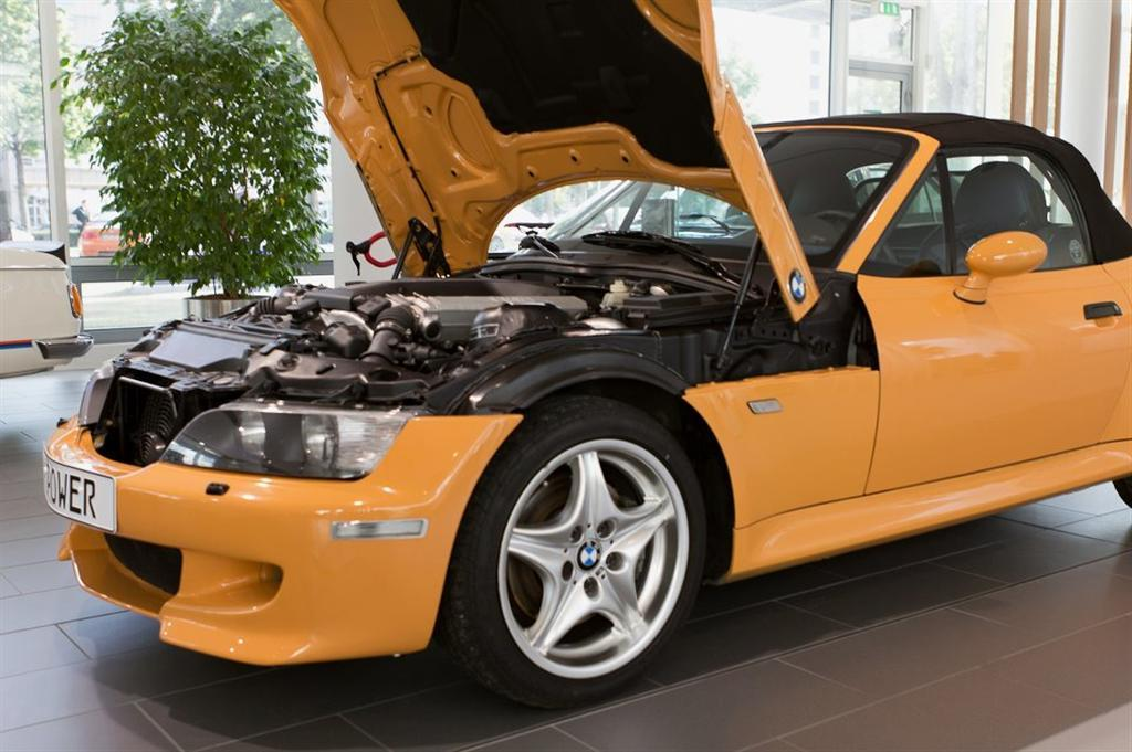 Bmw M Builds A Z3 With A V12 Engine Performancedrive