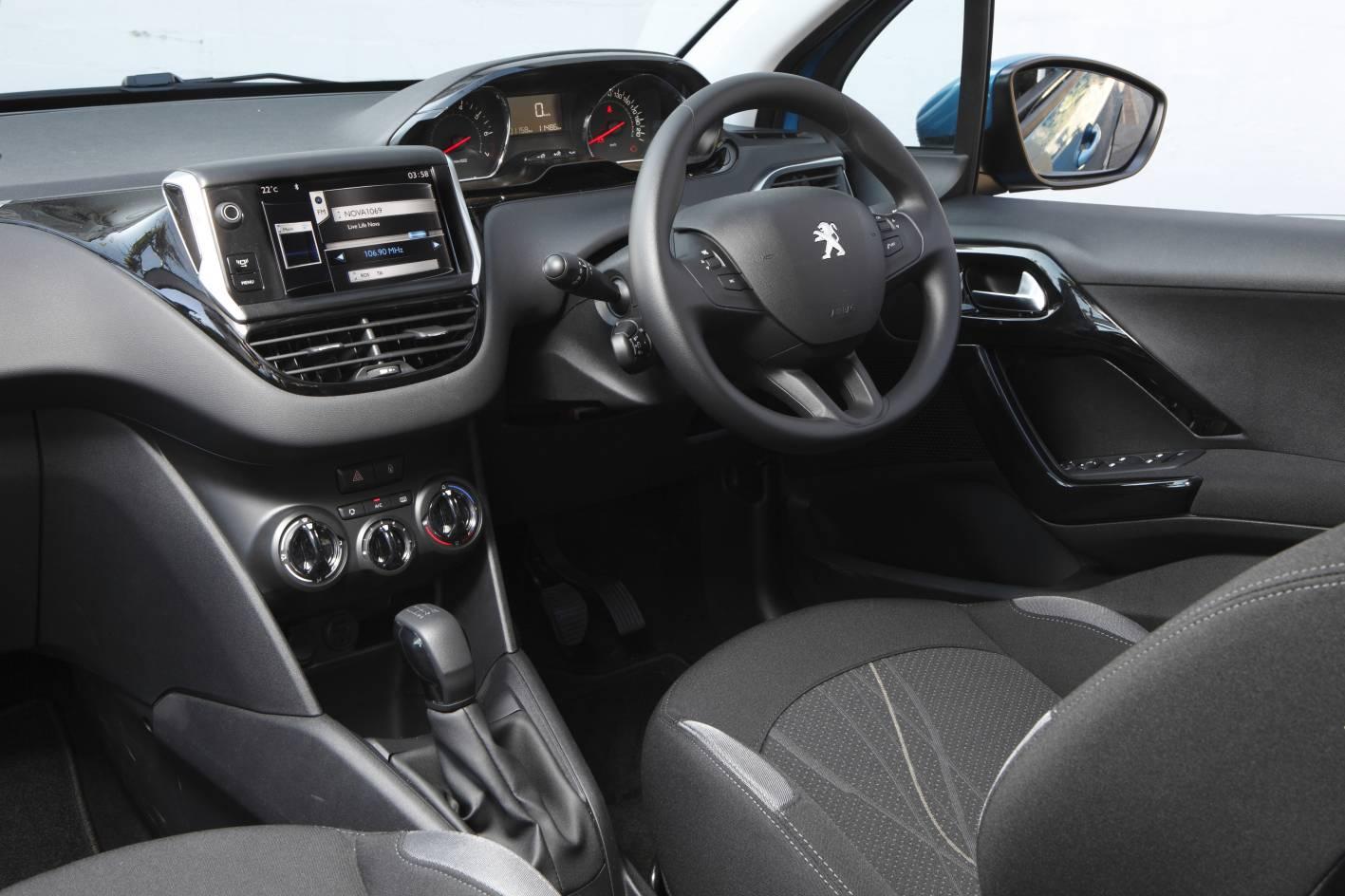 2012 peugeot 208 active 1 2 interior for Interieur 308 allure