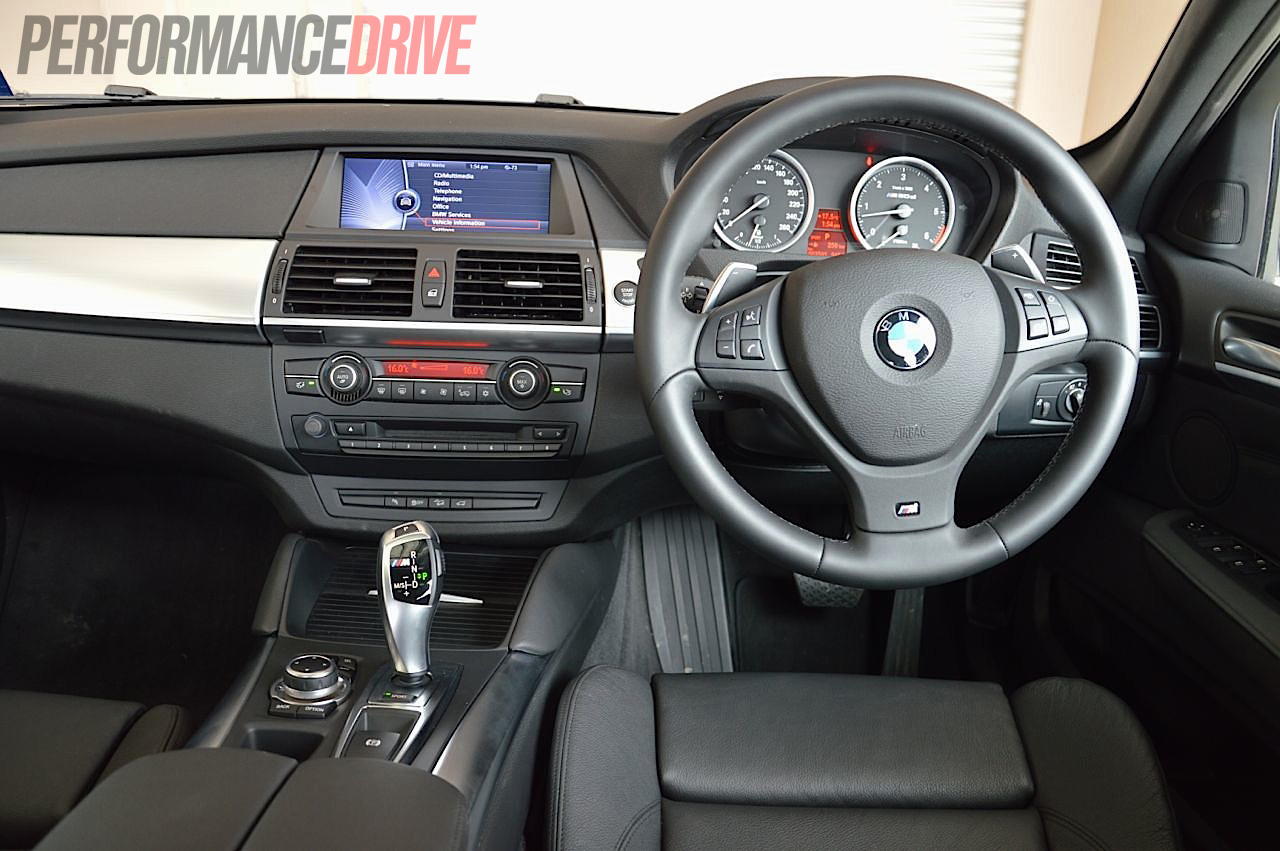 2012 BMW X6 M50d interior