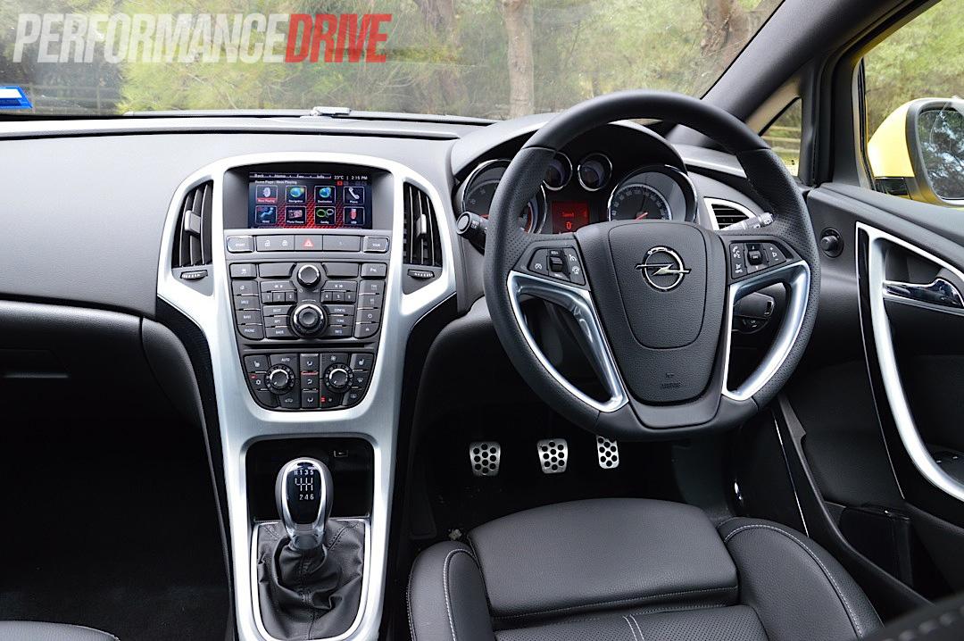 2012 Opel Astra GTC Sport interior |