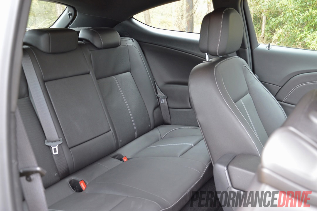astra h back seat interiour