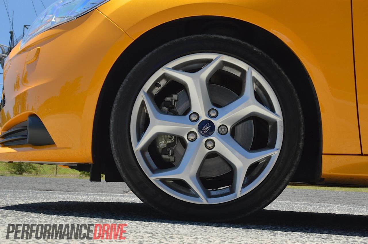 2013 Ford Focus ST Y spoke 18in wheels