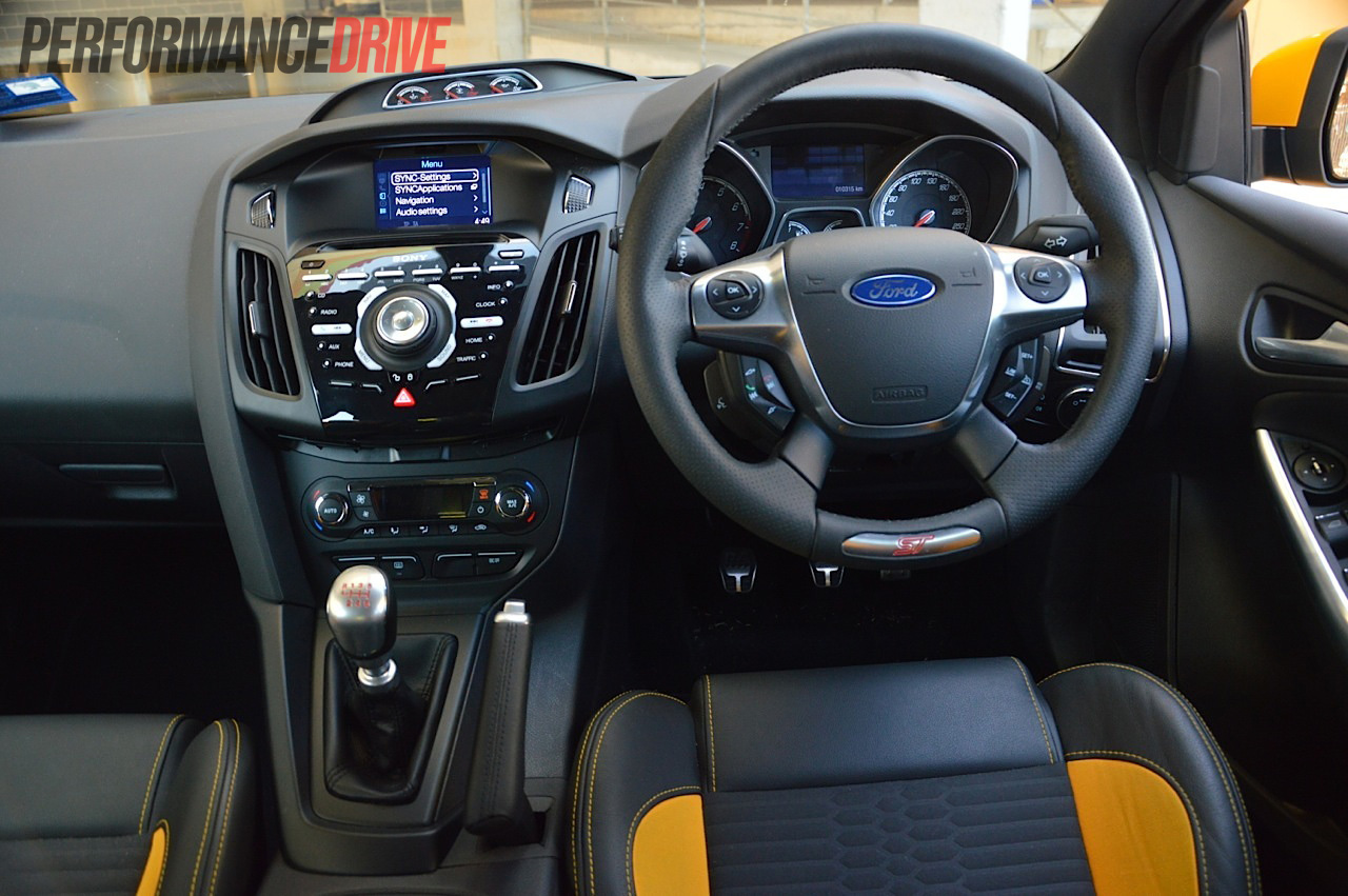 2013 ford focus st dash