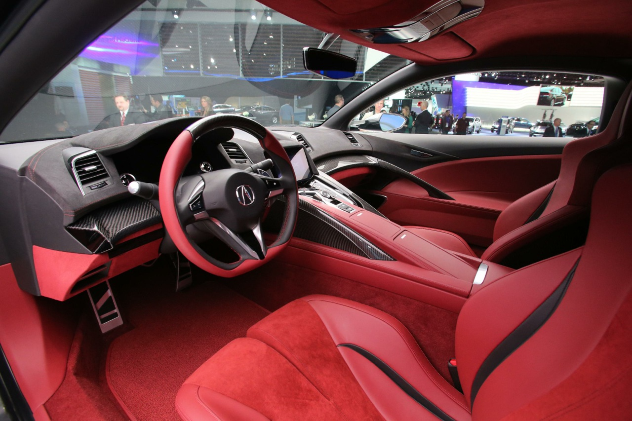 New honda nsx concept previews interior for the first time for Peugeot 907 interieur