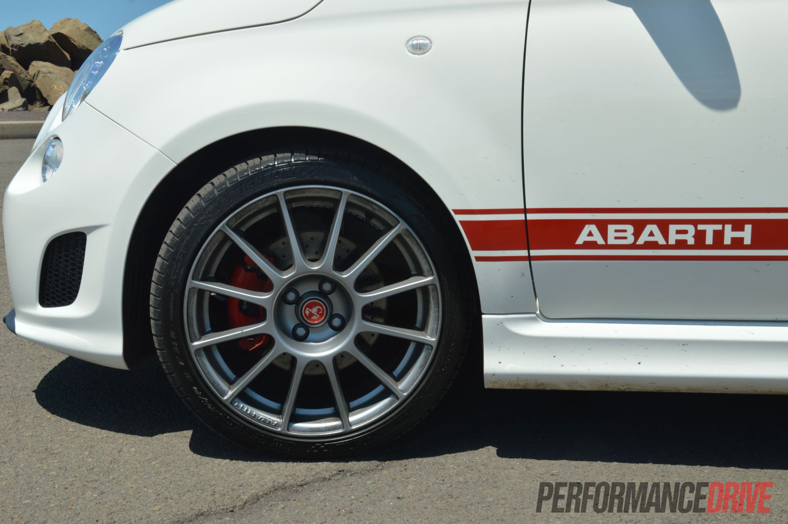 2013 Fiat 500 Abarth Esseesse 17in alloy wheels |