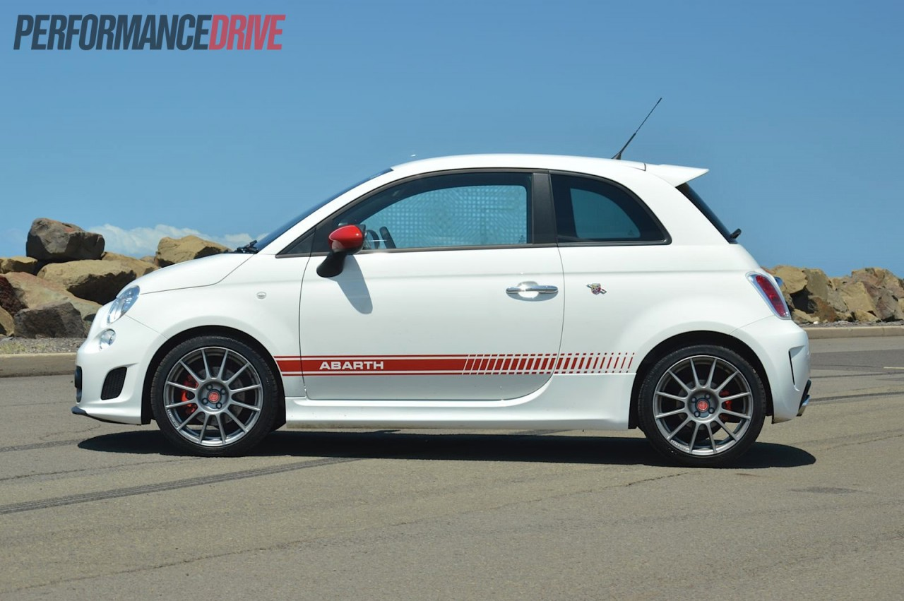 2013 Fiat 500 Abarth Esseesse review (video) - PerformanceDrive