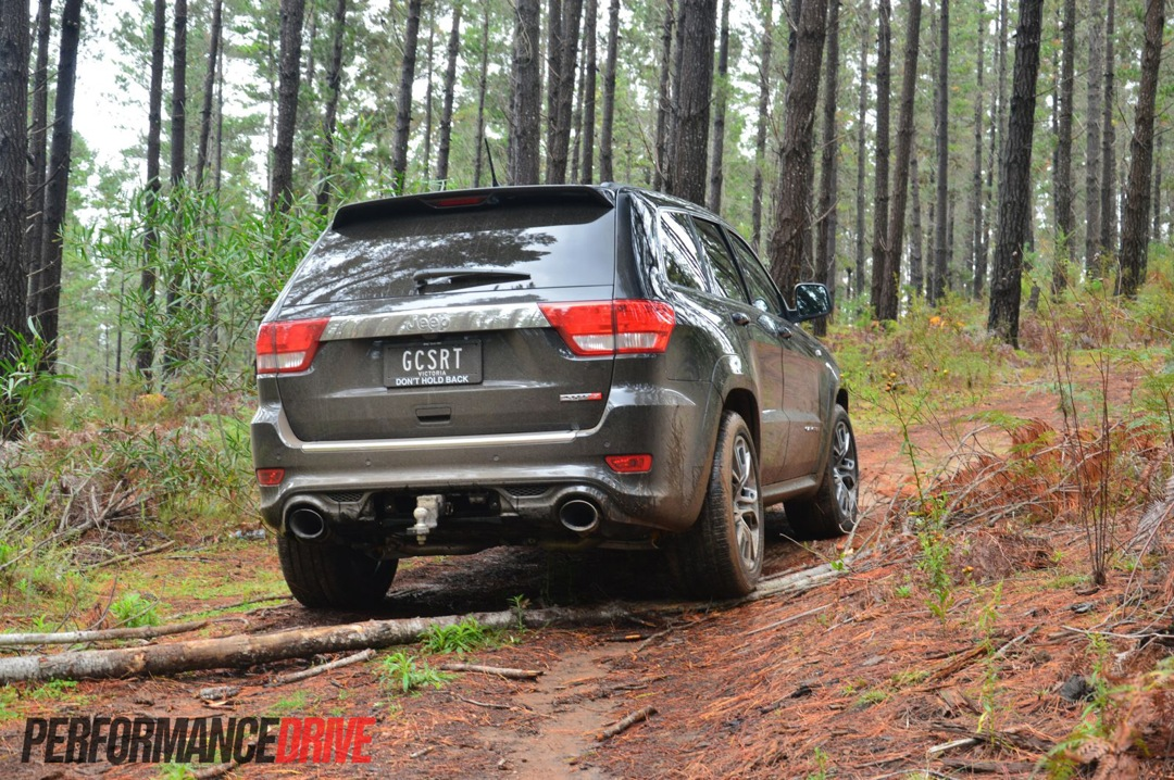 Lifted Jeep Srt8 >> 2013 Jeep Grand Cherokee SRT8 off road