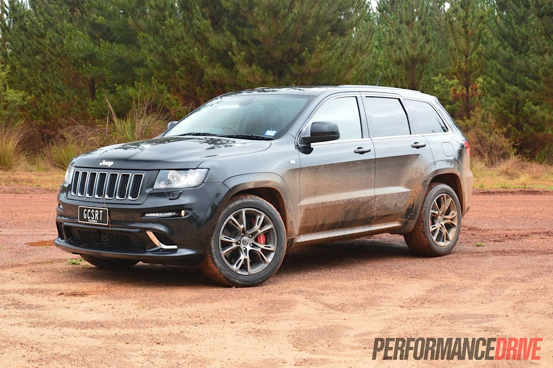 2013 jeep grand cherokee srt8 review video performancedrive. Black Bedroom Furniture Sets. Home Design Ideas