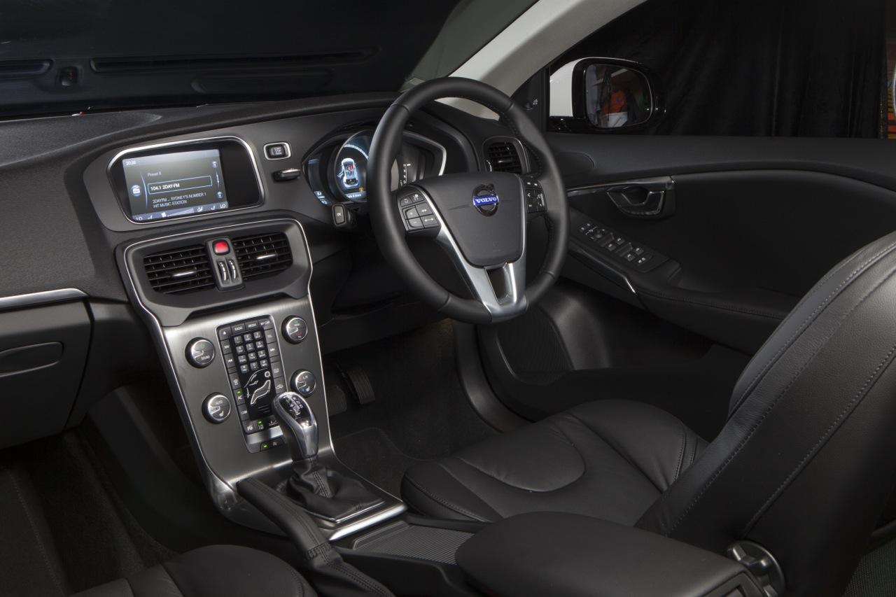 2013 Volvo V40 D4 Luxury interior |