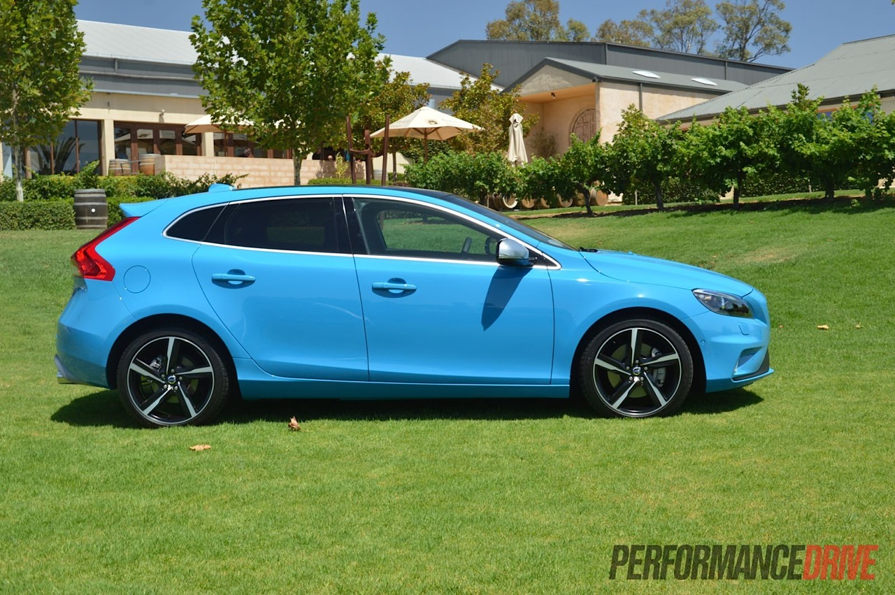 2013 volvo v40 t5 r design blue side performancedrive. Black Bedroom Furniture Sets. Home Design Ideas