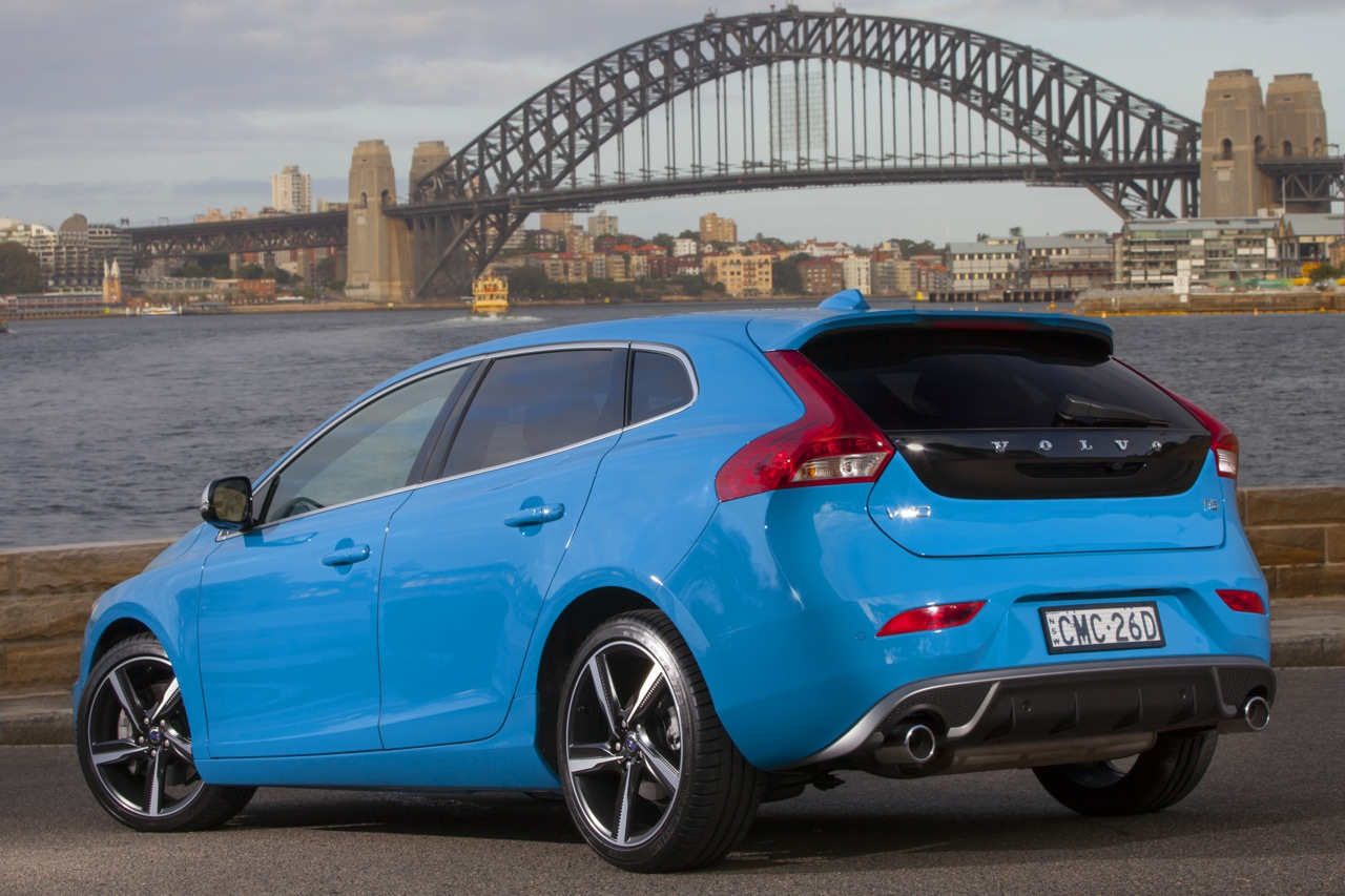 2013 volvo v40 t5 r design rear. Black Bedroom Furniture Sets. Home Design Ideas