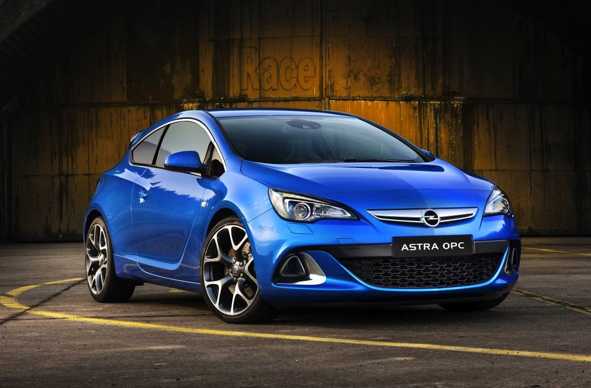 opel corsa astra insignia opc models now on sale performancedrive. Black Bedroom Furniture Sets. Home Design Ideas