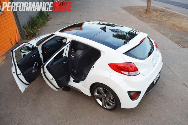 2012 Hyundai Veloster SR Turbo review (video) - PerformanceDrive
