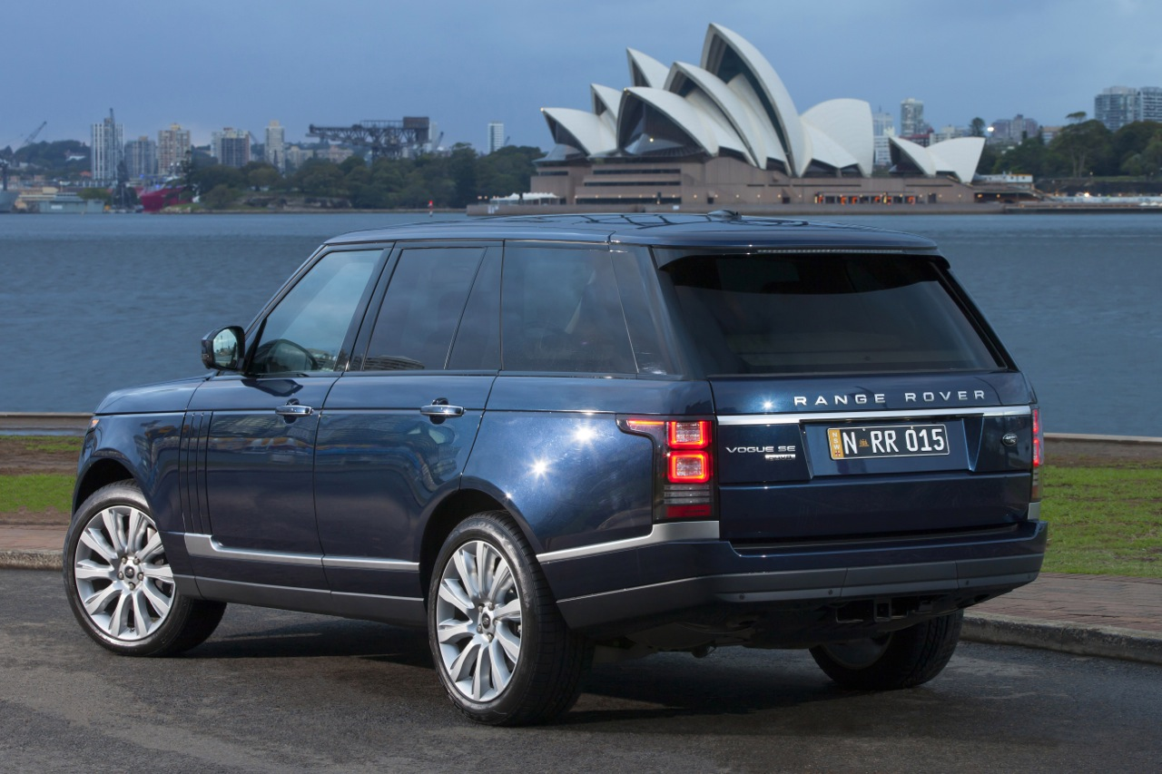2013 range rover proving highly popular in australia performancedrive. Black Bedroom Furniture Sets. Home Design Ideas