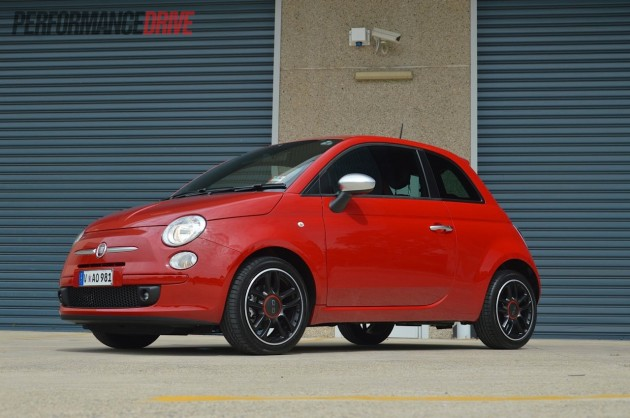 2013 fiat 500 twinair review video performancedrive. Black Bedroom Furniture Sets. Home Design Ideas
