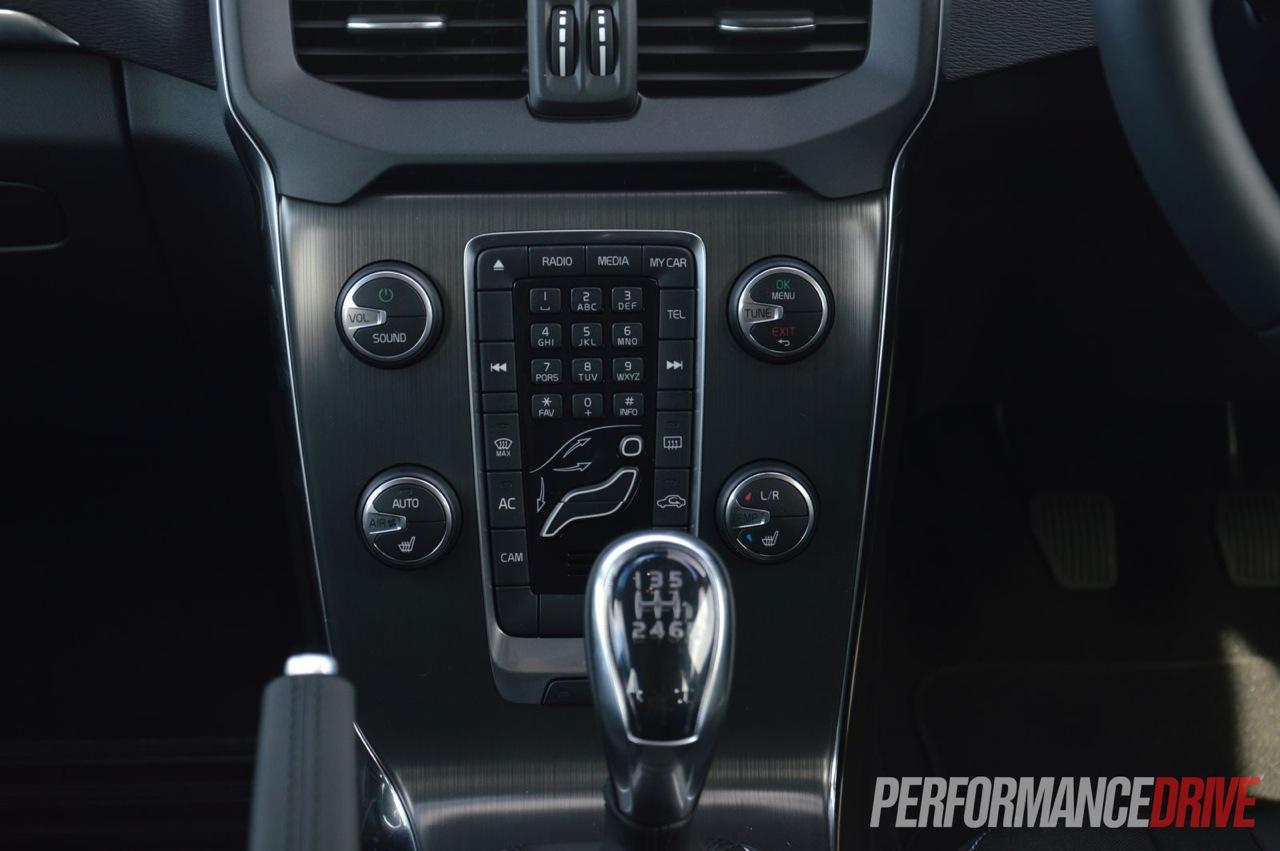 2013 volvo v40 d4 kinetic review video performancedrive rh performancedrive com au volvo v40 manual transmission volvo v40 manual pdf