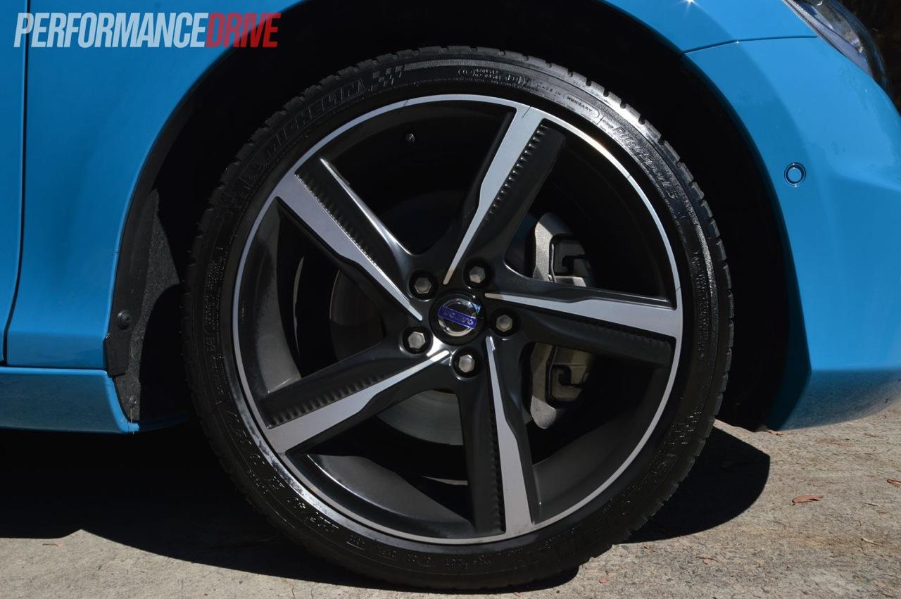 2013 volvo v40 t5 r design 18in wheels. Black Bedroom Furniture Sets. Home Design Ideas