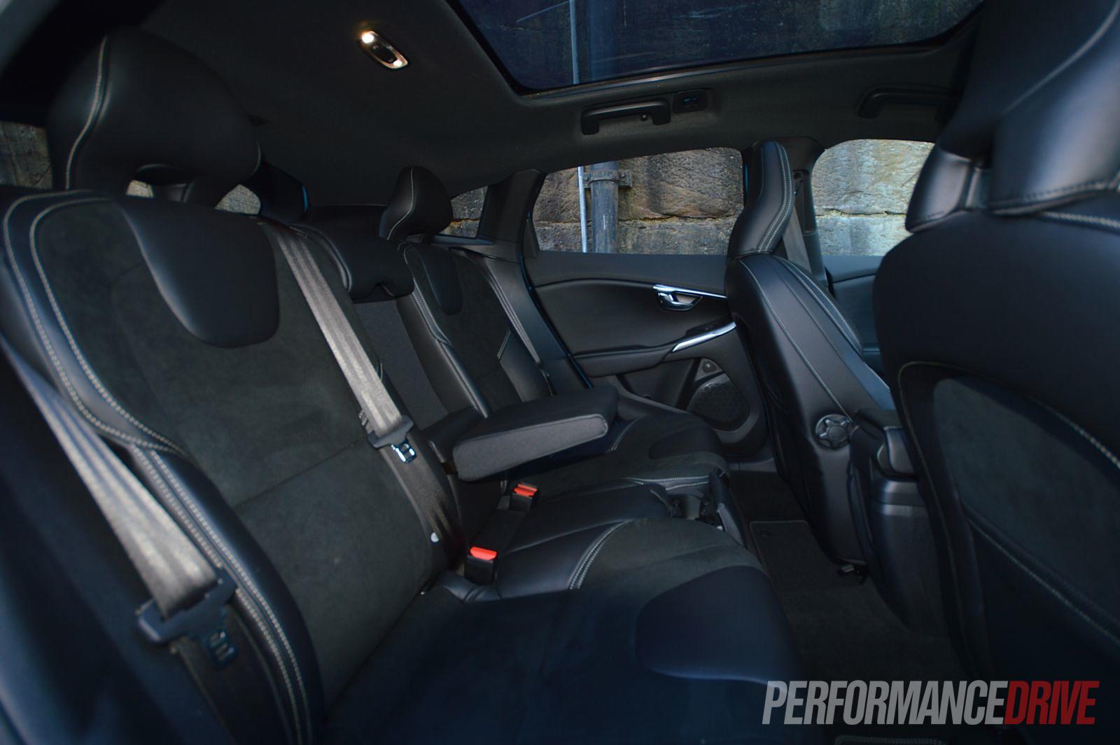 2013 volvo v40 t5 r design review video performancedrive for Interior volvo v40