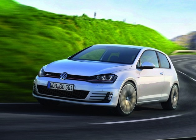2014-Volkswagen-Golf-GTI-production-car-driving