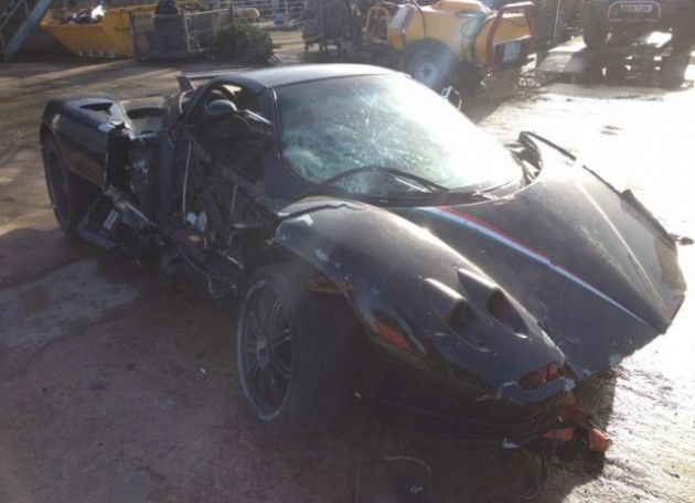Pagani Zonda Roadster crashed-side 2