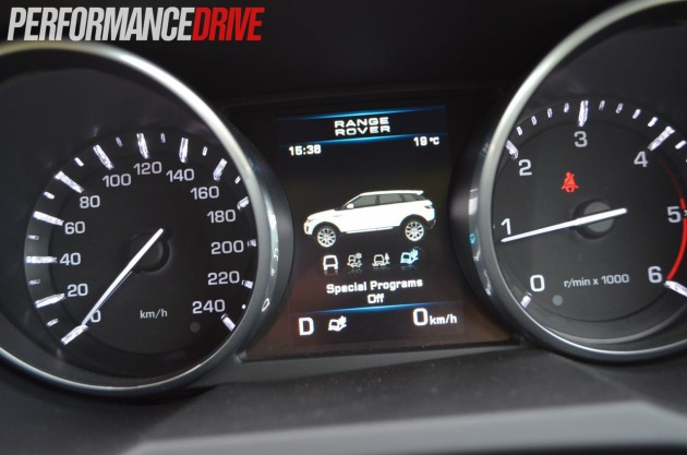 2012 Range Rover Evoque Pure SD4 dash Terrain Response display