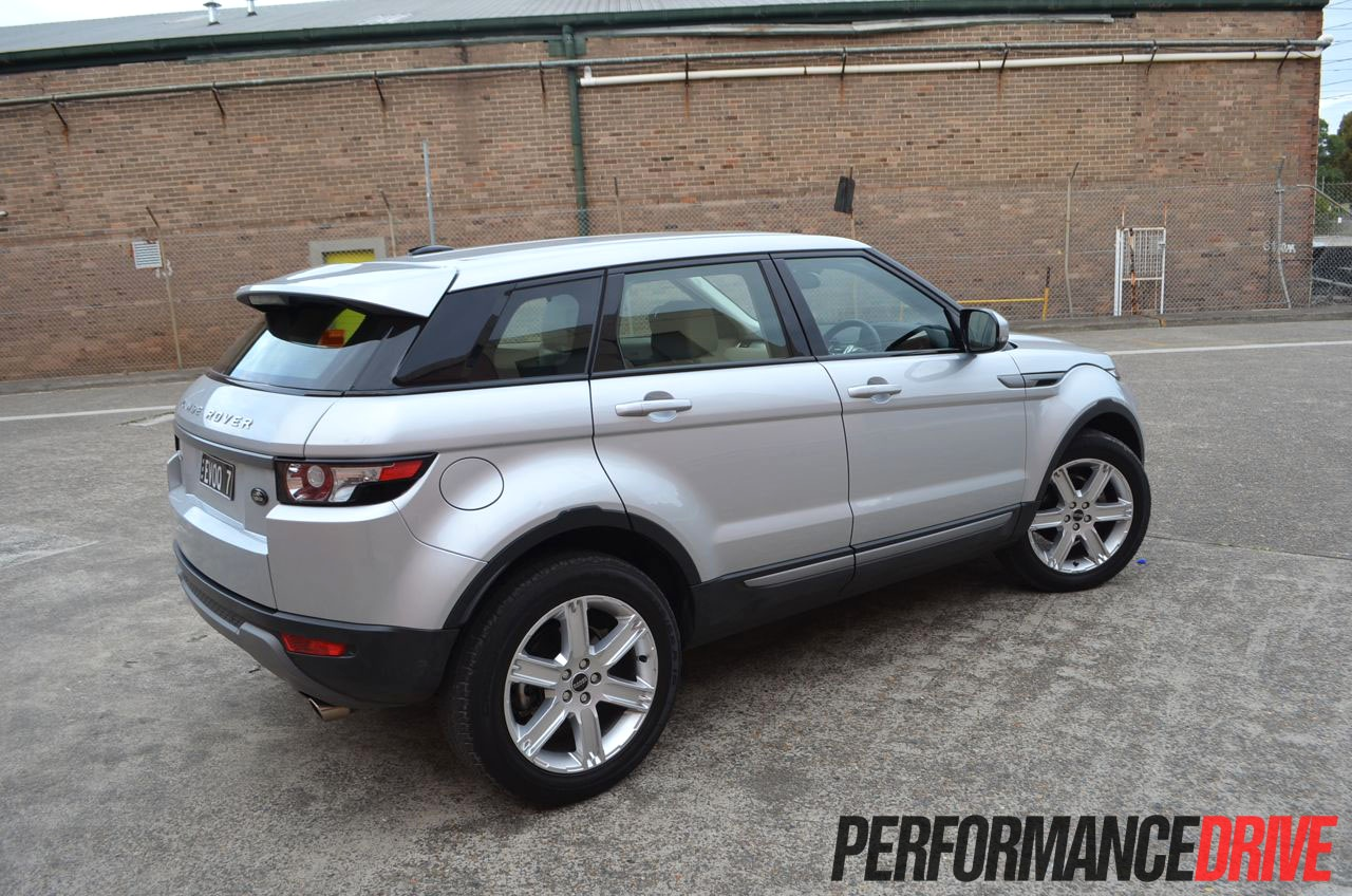 range rover evoque pure sd4 review performancedrive. Black Bedroom Furniture Sets. Home Design Ideas