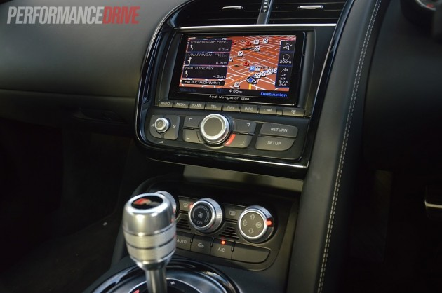2013 Audi R8 V8 dash