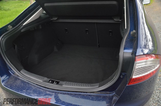 2013 Ford Mondeo Zetec EcoBoost boot space