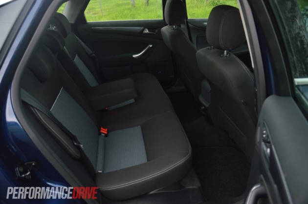 2013 Ford Mondeo Zetec EcoBoost rear seats