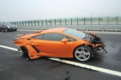2013 Lamborghini Gallardo LP560-4 crash China