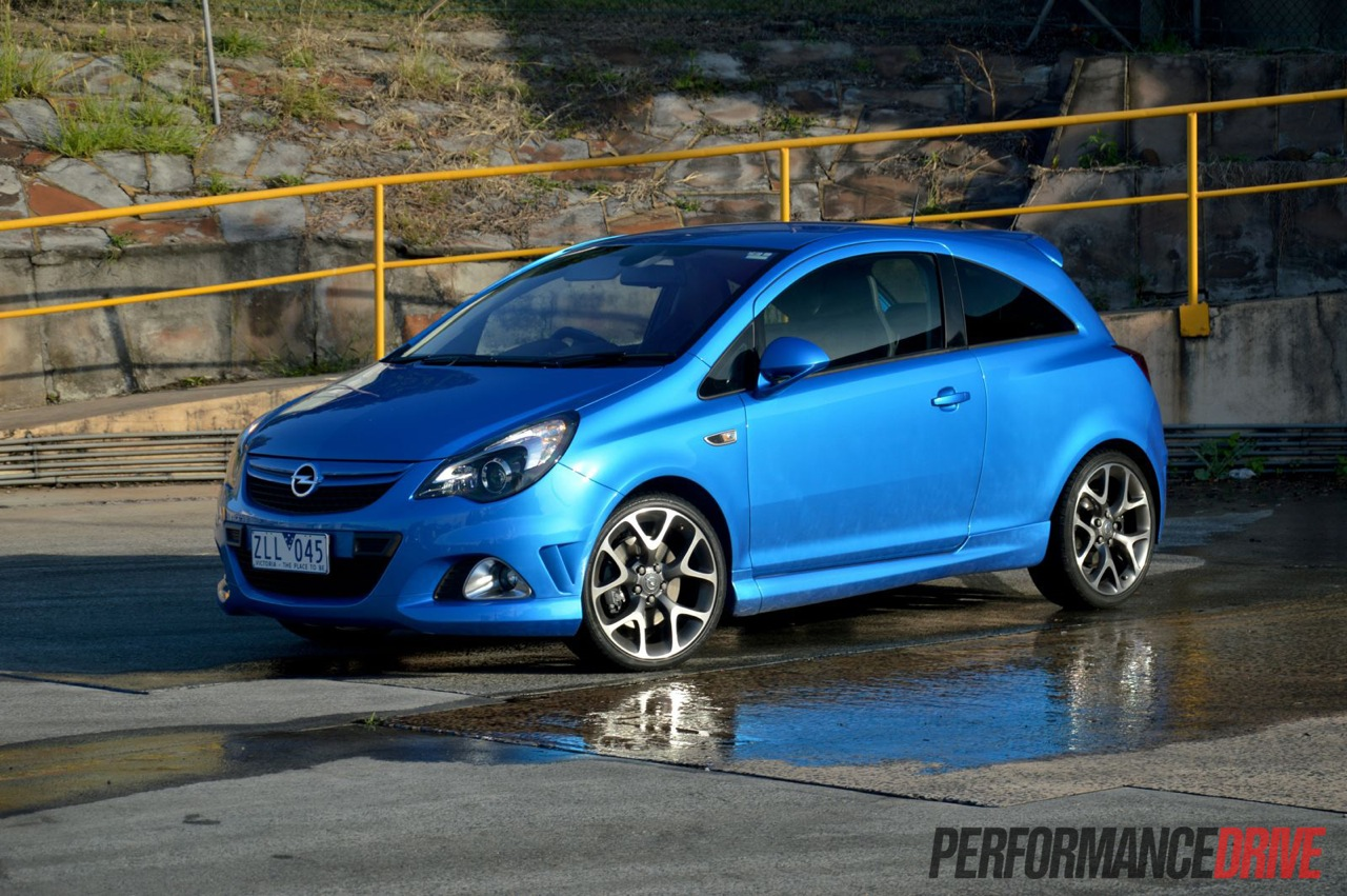 2013 opel corsa opc review video performancedrive. Black Bedroom Furniture Sets. Home Design Ideas